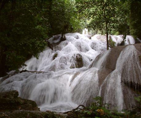 Air Terjun Wera Saloupa Margaretha Putri Mandake Forester